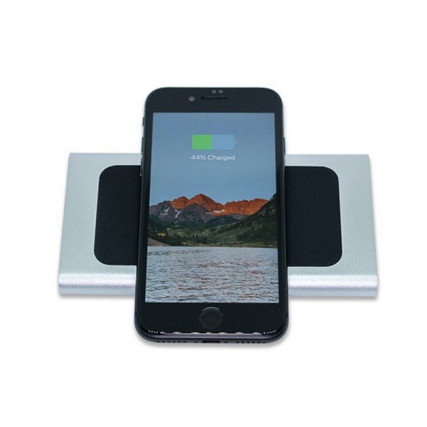 Беспроводное зарядное устройство Powerbank QITECH Bank Fast Charge с технологией QI